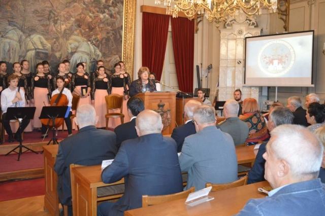 Председница Скупштине града Љиљана Тица  поздравила је госте и грађане