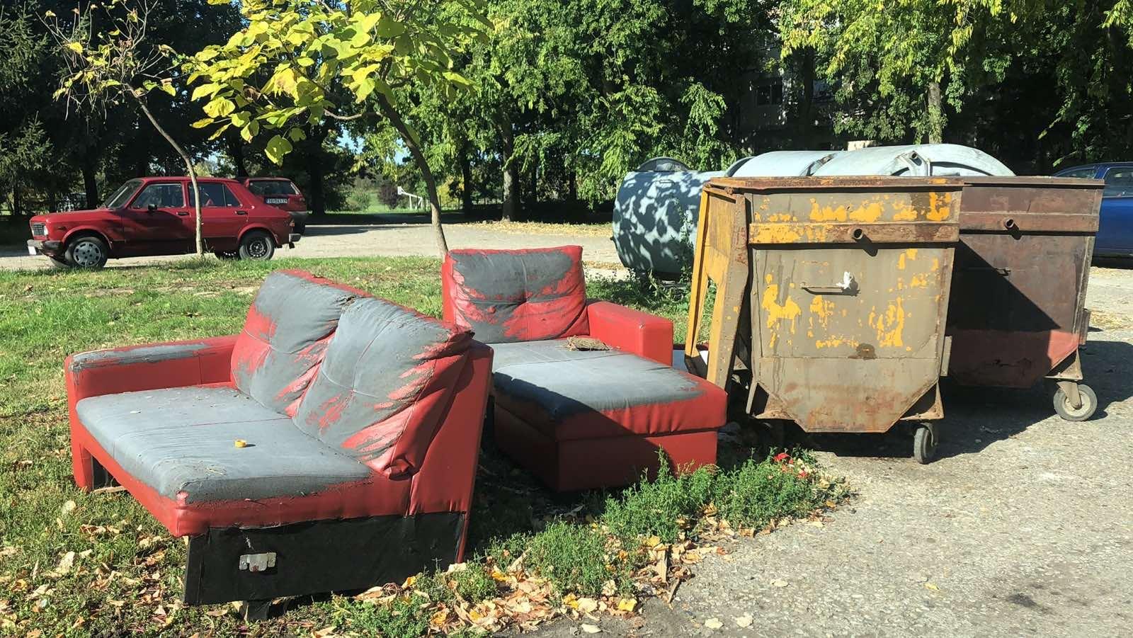 Пример несавесног одлагања кабастог отпада