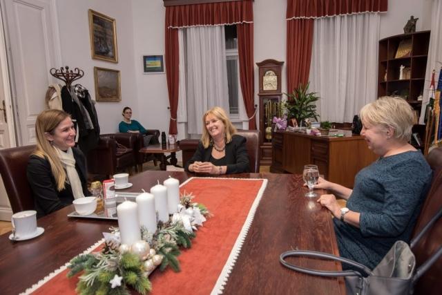 Баја и Сомбор су већ 53 године два братска града, а две градоначелнице су искористиле ову посету како би  разговарале о будућој сарадњи.