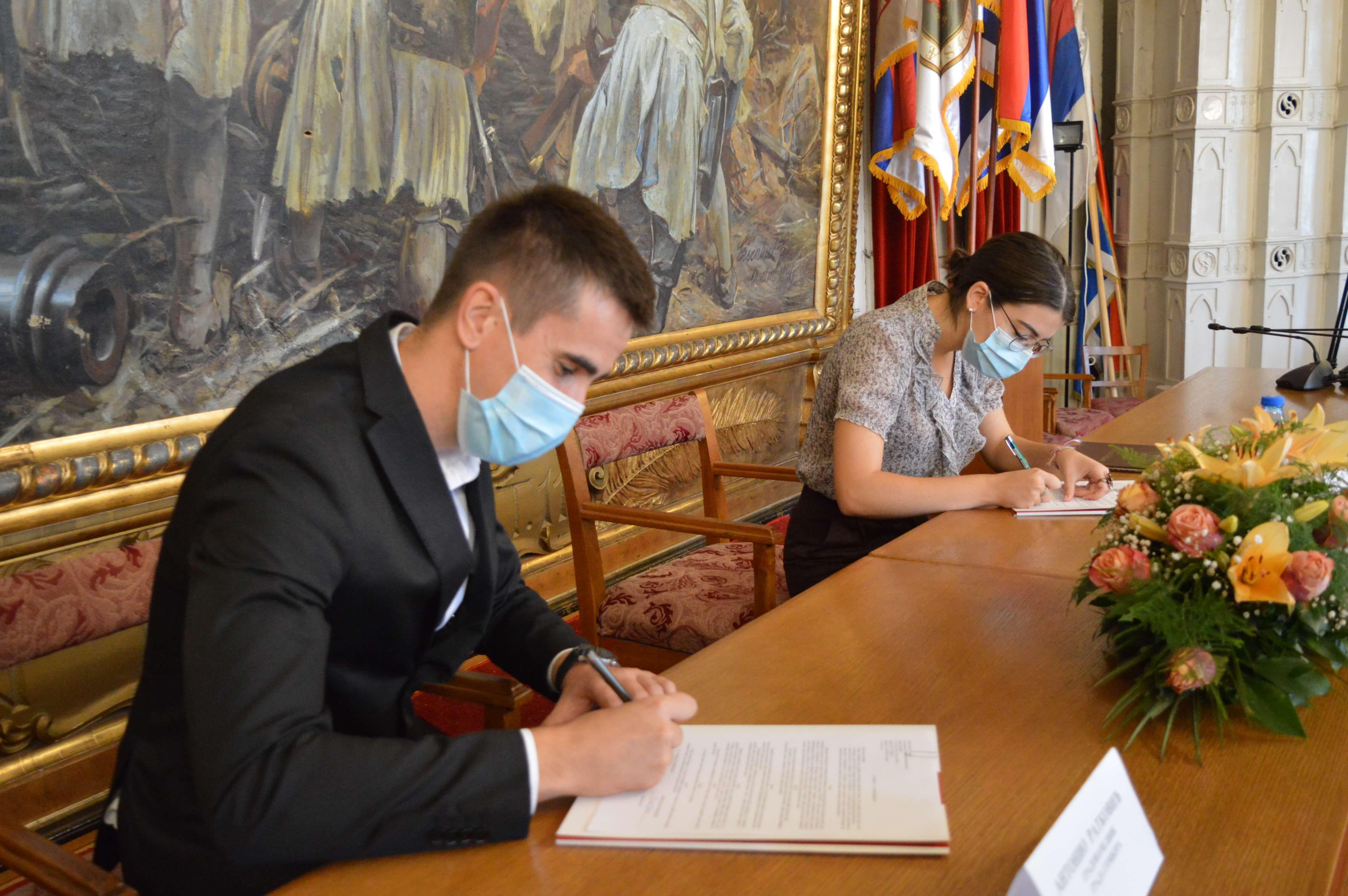 Потписивање уговора о стипендирању ђака генерације