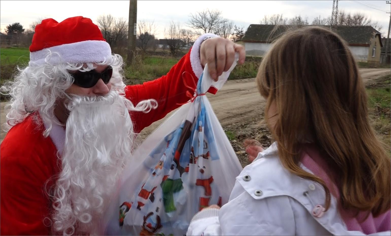 500 новогодишњих пакетића за малишане