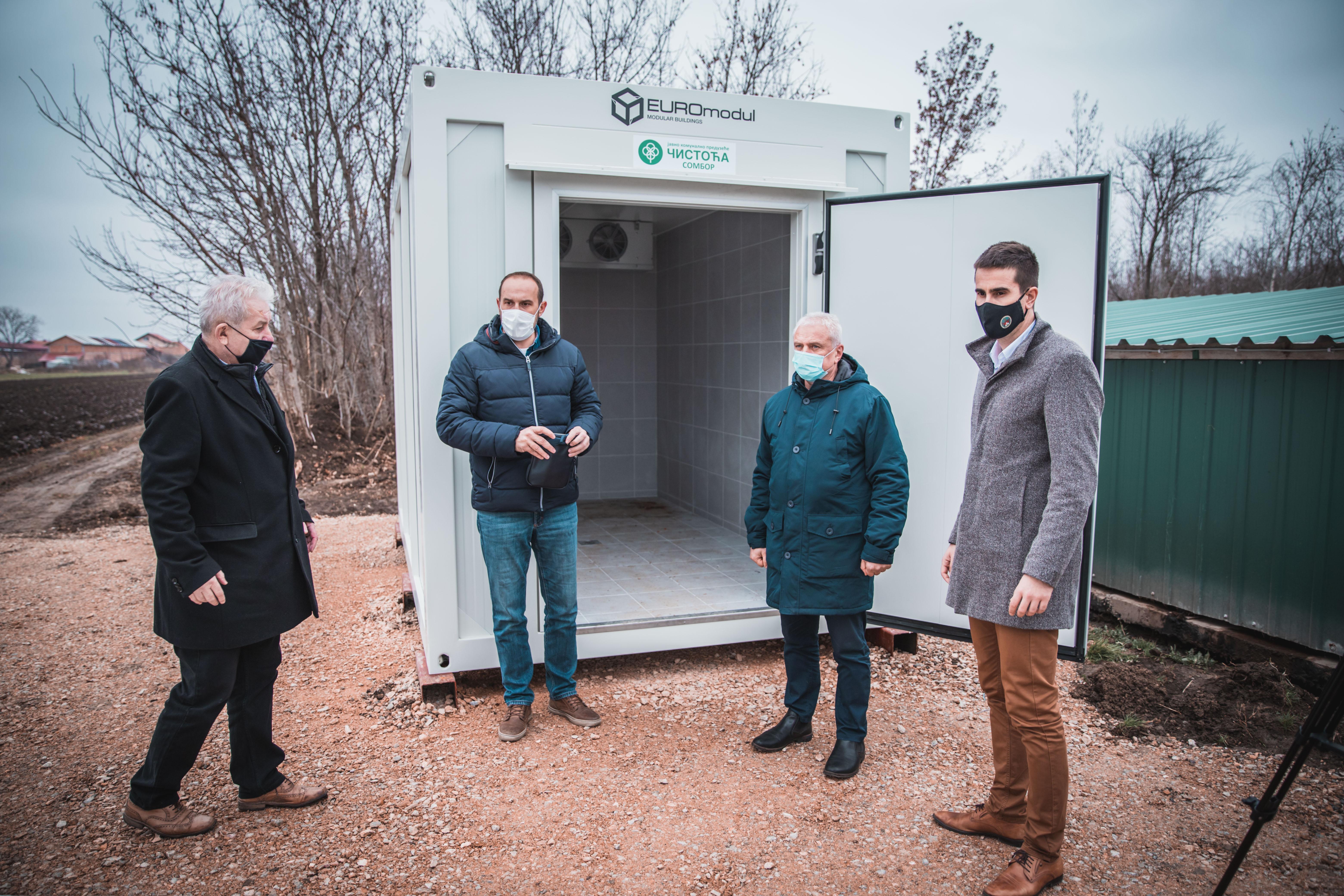 "Град Сомбор и ЈКП ""Чистоћа"" набавили покретну хладњачу за анимални отпад"